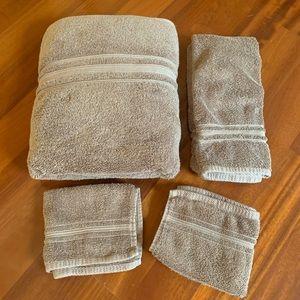 Charisma Towel Set